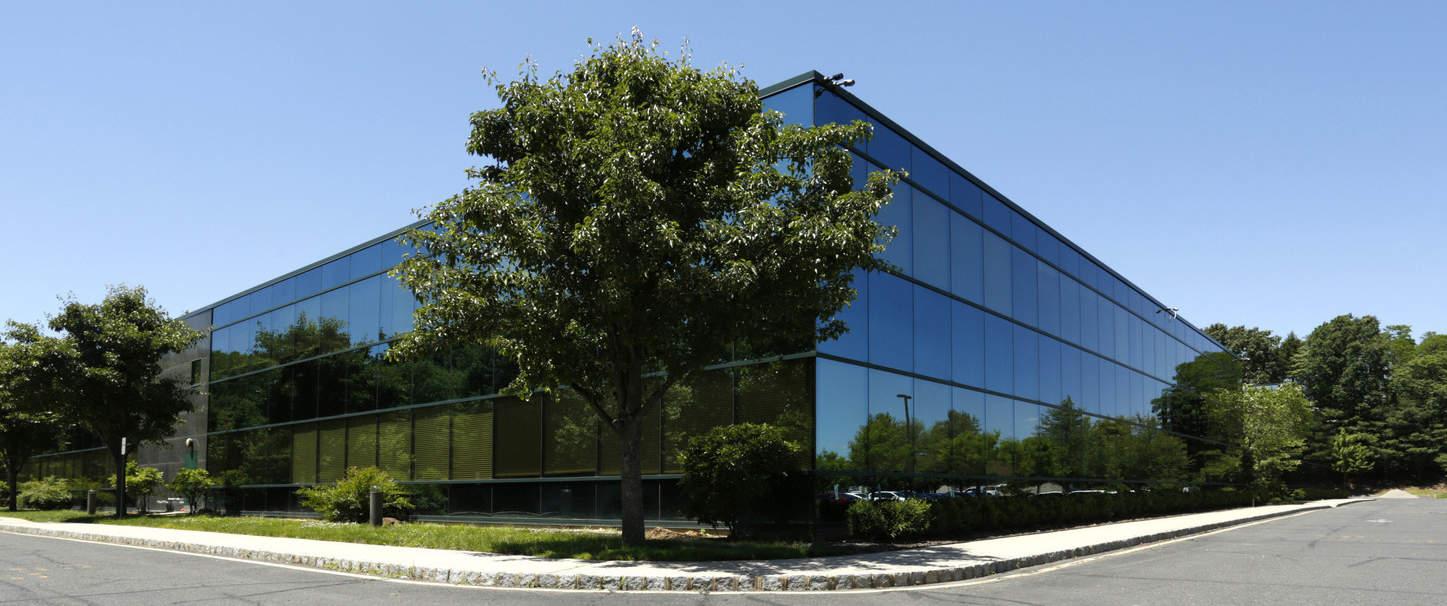 STarker COmmercial Realty LLC COmmercial Real Estate Broker Manalapan NJ Homepage